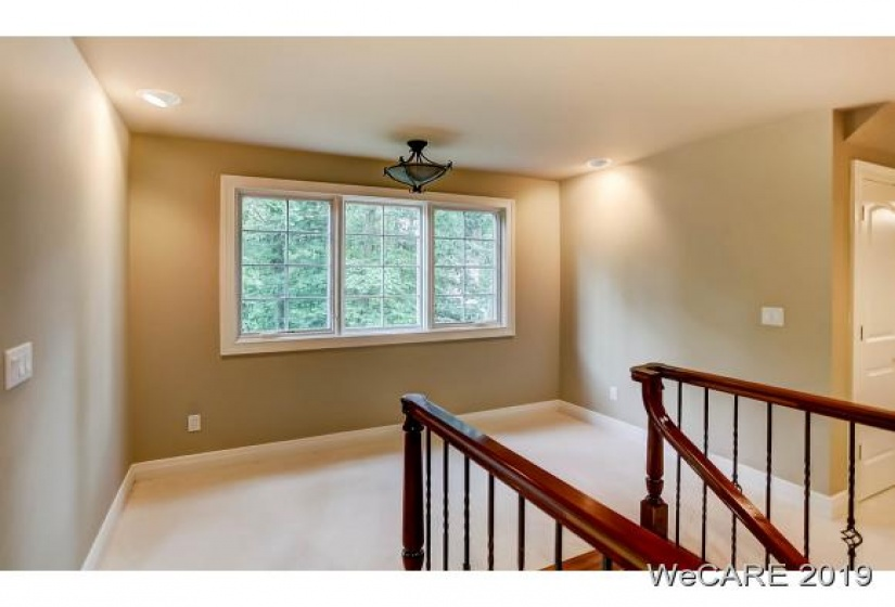 10 ESTATE DR, Lima, Ohio 45805, 3 Bedrooms Bedrooms, 7 Rooms Rooms,2 BathroomsBathrooms,Residential,For Sale,ESTATE DR,1227